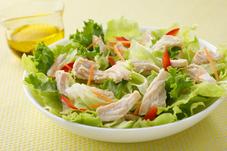 サラダチキンとカット野菜の彩りサラダ