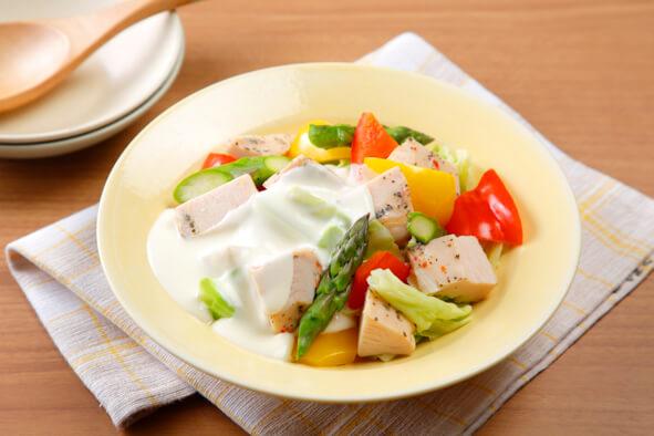 サラダチキンの温野菜サラダ チーズソース