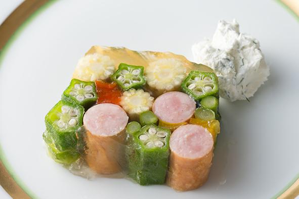 ウインナーと野菜のカラフルゼリー寄せ